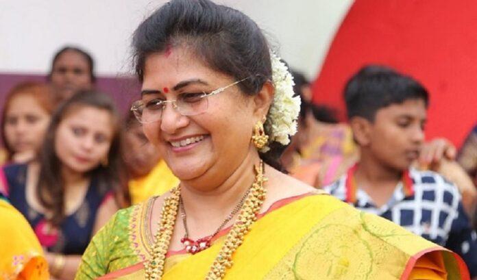 ಭ್ರಷ್ಟಾಚಾರ ಆರೋಪ ಹೊತ್ತಿರುವ ಶಶಿಕಲಾ ಜೊಲ್ಲೆಗೆ ಮತ್ತೆ ಸಚಿವ ಸ್ಥಾನ!   Naanu gauri